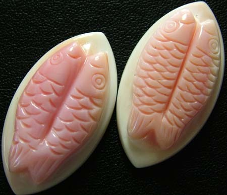 CONCH SHELL FISH PAIR CARVING 33.90 CTS [PF 924]