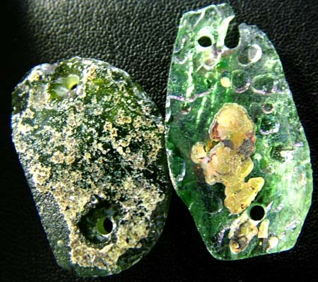 PAIR ANCIENT GLASS- AFGANISTAN-FACE DRILLED 25.90 CTS MX4770