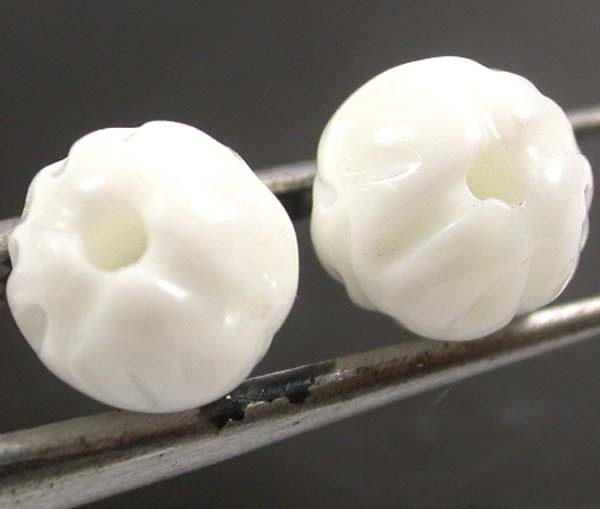 SHELL CARVED BEADS DRILLED  9 CTS    AS-2130