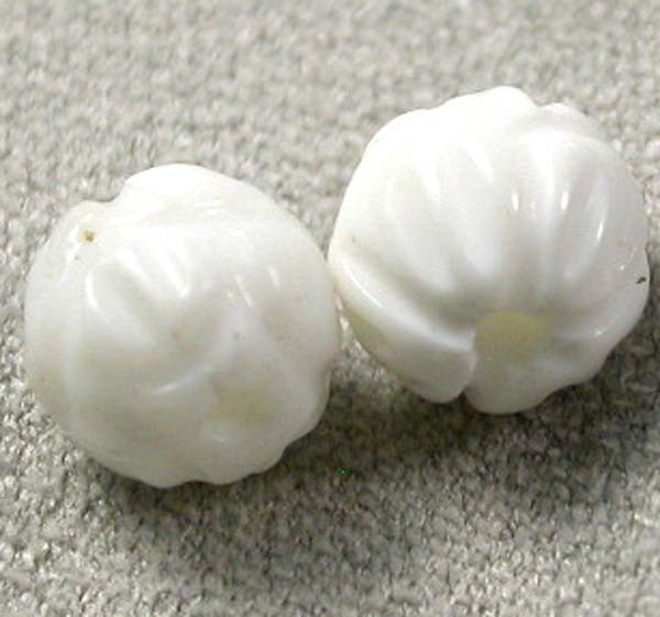 SHELL CARVED BEADS DRILLED  5 CTS    AS-2196