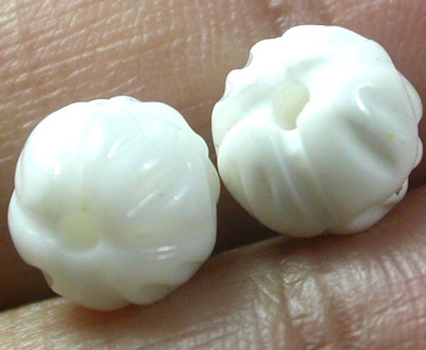 SHELL CARVED BEADS DRILLED  5 CTS    AS-2198