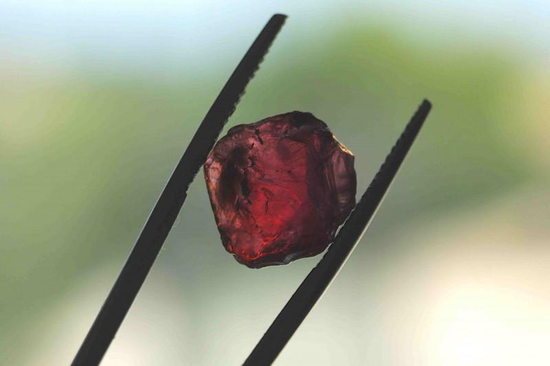8.20cts Rhodolite Garnet fac grade no heat Madagascar