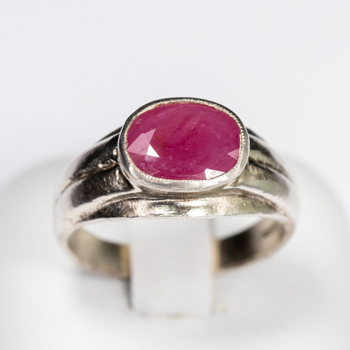 Size 6.5 Sterling Silver Ruby Ring