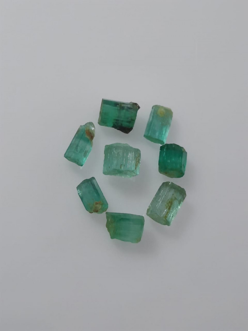 7.80 Carats Natural Emerald Rough Lot From Panjsher Afghanistan