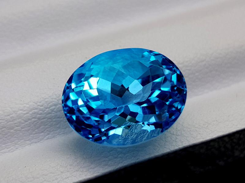 12.55Crt Blue Topaz Natural Gemstones JI75