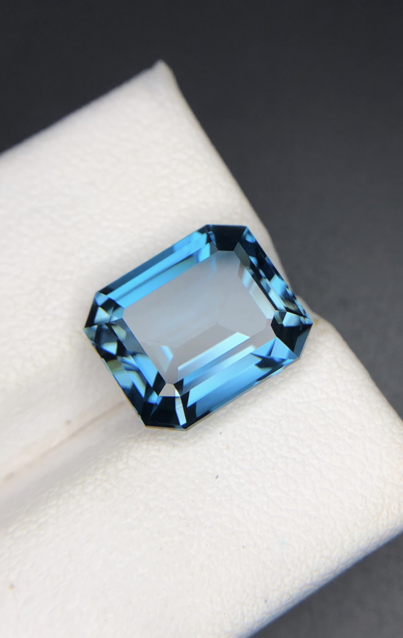 Emerald Cut 7.40 ct London Blue Topaz Big Size