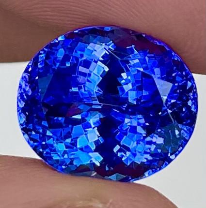 9.36 ct $5500 Royal Blue Rare Red Flash Natural Blue Tanzanite