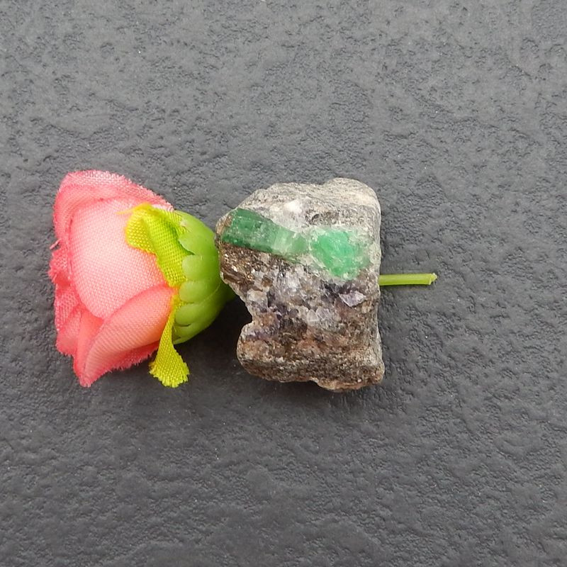 D2735 - 66cts Natural Emerald Specimen, Emerald May Birthstone,Emerald Gems