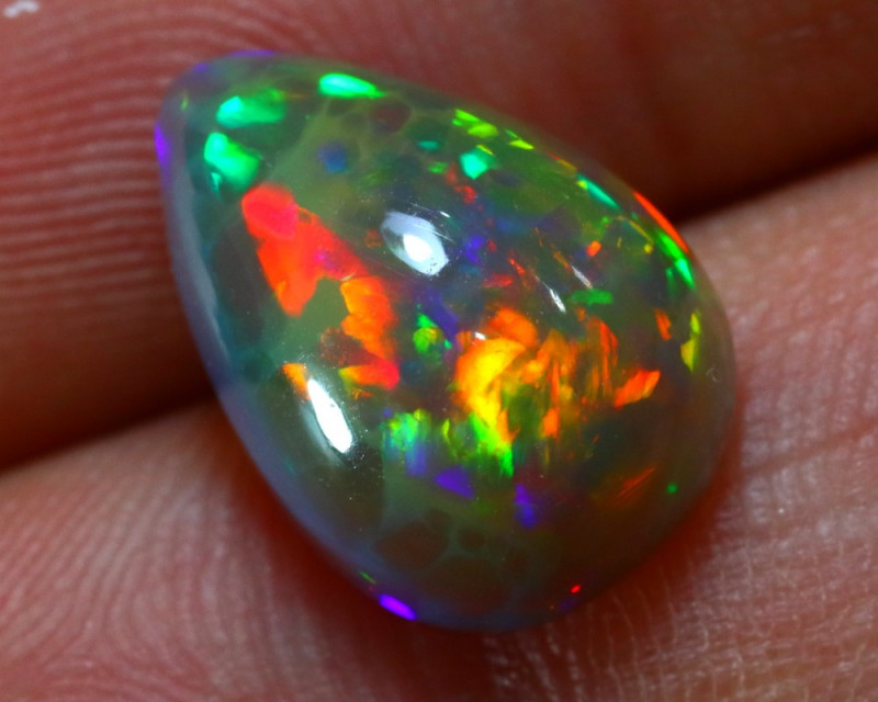 Welo Opal 3.92Ct Natural Ethiopian Cabochon Play of Color Opal D2025/A29