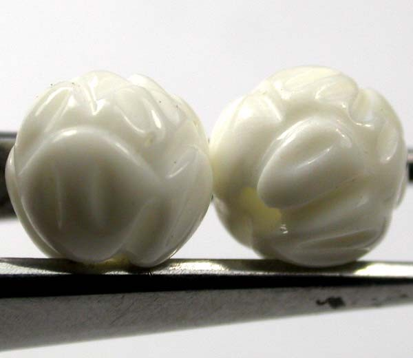 SHELL CARVED BEADS DRILLED  5 CTS    AS-2210