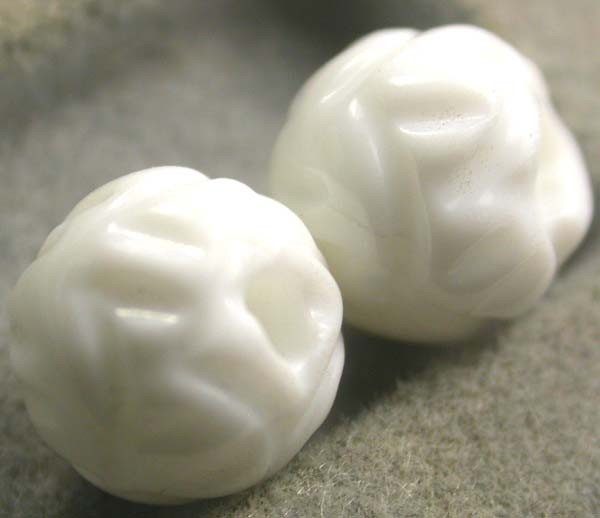SHELL CARVED BEADS DRILLED  5 CTS    AS-2218