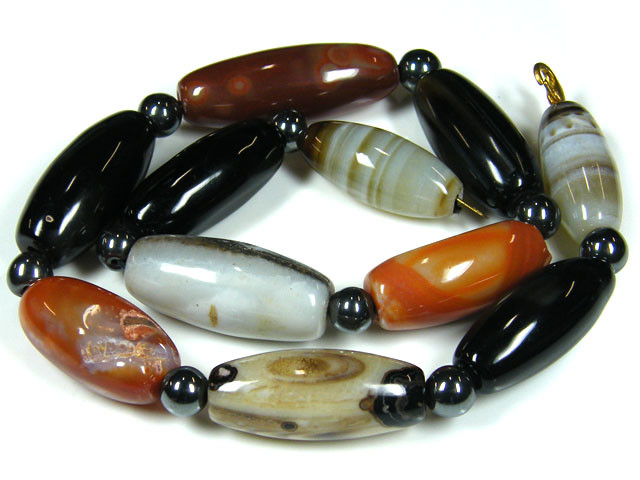 UNIQUE PATTERN  AGATE NECKLACE TR 666