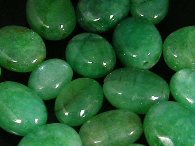 PARCEL CABOCHON WILD EMERALD BEADS 51.59 CTS  006351.5