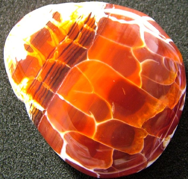 LARGE AGATE  FIRE  BEADS  DRILLED  106.05 CTS [MX5041]