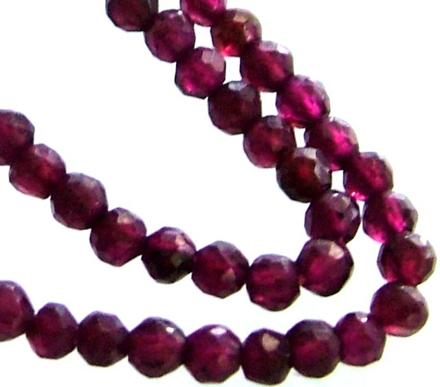 A GRADE FACETED GARNET BEAD RUBY LIKE COLOUR 46.45CTS GT2006