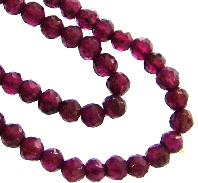 A GRADE FACETED GARNET BEAD RUBY LIKE COLOUR 46.60CTS GT2016