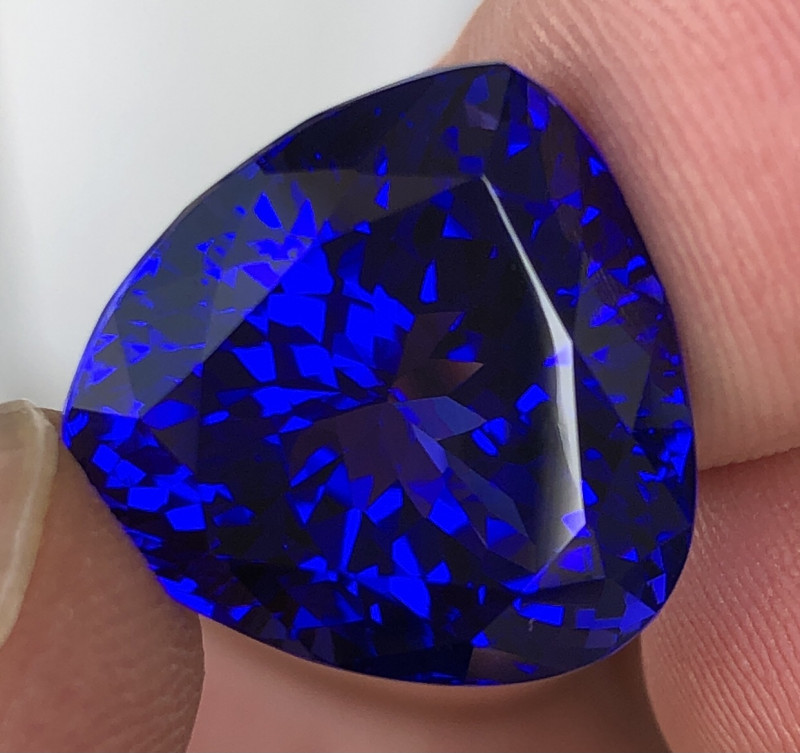 24.30ct Royal Blue Tanzanite With Excellent Luster And Fine Cutting  Gemsto