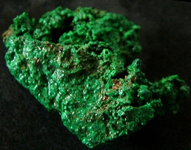 MALACHITE CHUNKY   ROUGH FROM CONGO 125.20 CTS [F 1736]