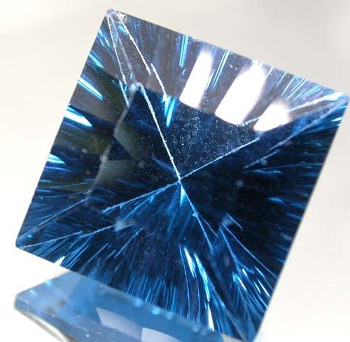 MYSTIC QUARTZ 'BLUE LAGOON ' 8.65 CTS  [TS585 ]