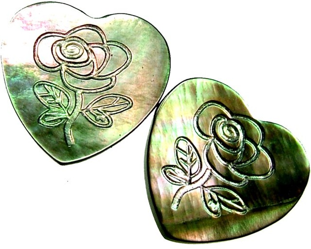 PAIR MOTHER OF PEARL CARVED HEARTS - 4.35 CTS [PF 1250]