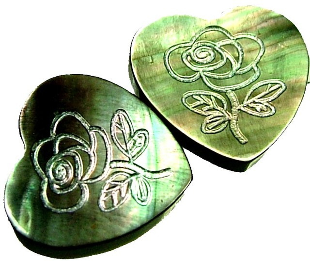 PAIR MOTHER OF PEARL CARVED HEARTS - 4.85 CTS [PF 1253]