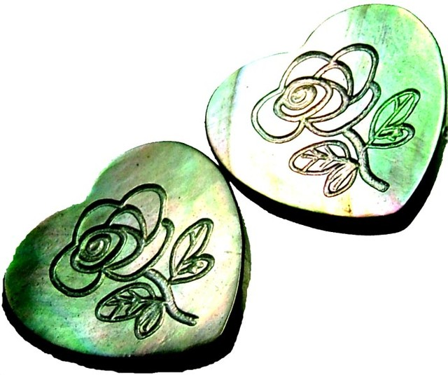 PAIR MOTHER OF PEARL CARVED HEARTS - 4.90 CTS [PF 1254]