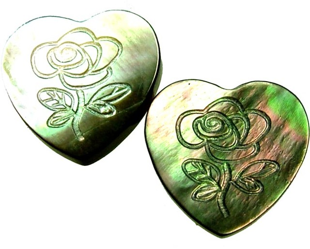 PAIR MOTHER OF PEARL CARVED HEARTS - 5.05 CTS [PF 1257]