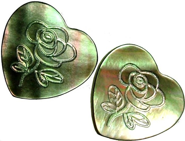 PAIR  MOTHER OF PEARL CARVED HEARTS - 5.15 CTS [PF 1285]