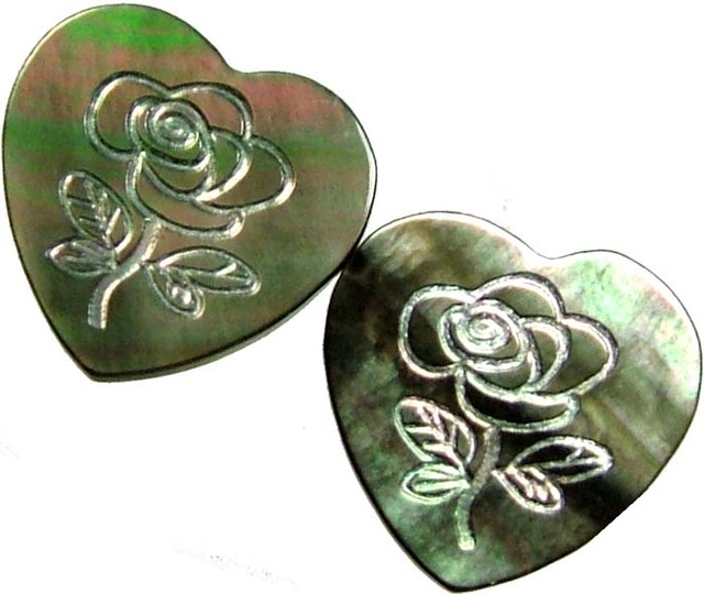 PAIR  MOTHER OF PEARL CARVED HEARTS - 4.55 CTS [PF 1286]