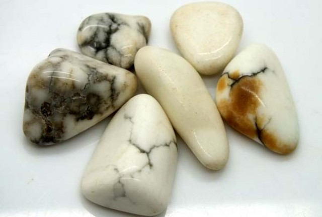 HOWLITE PARCEL OF 6 STONES 143CTS ADG-327
