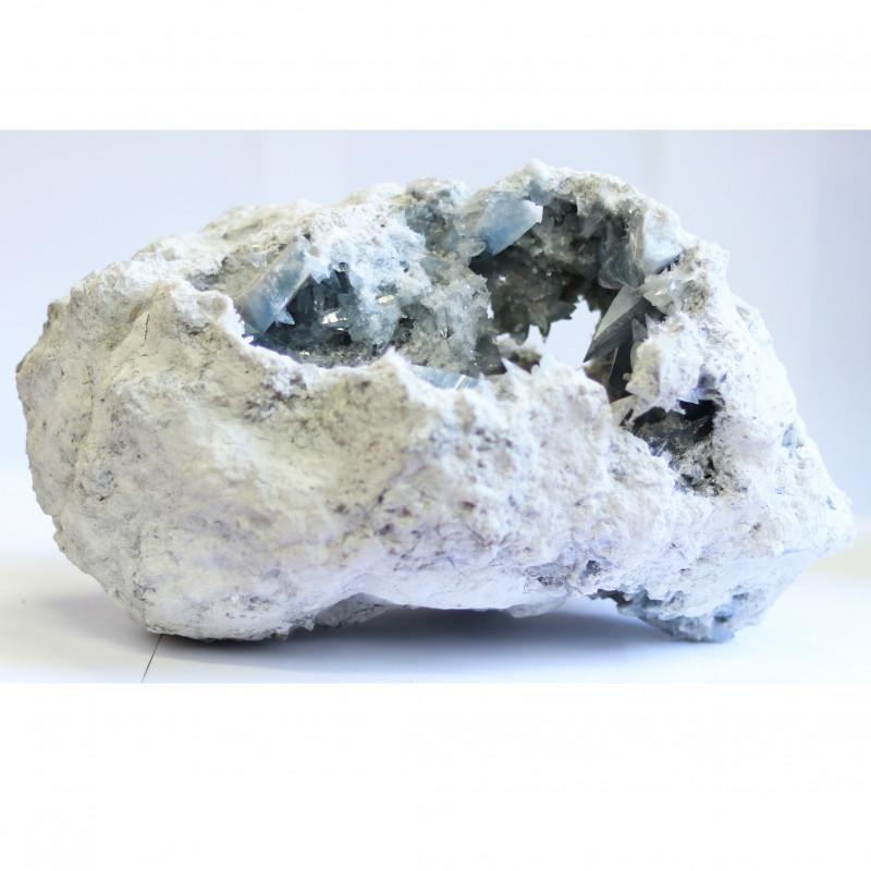 rough celestite stone