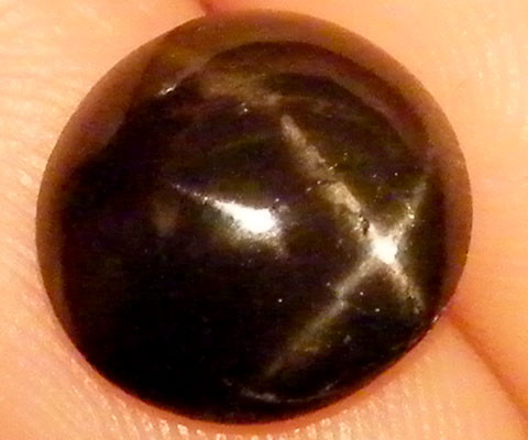 SIX STAR  BLACK DIOPSIDE STONE  2.7 CTS  ST796