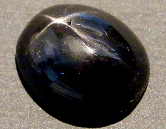 SIX STAR  BLACK DIOPSIDE STONE 4.55  CTS  ST 812