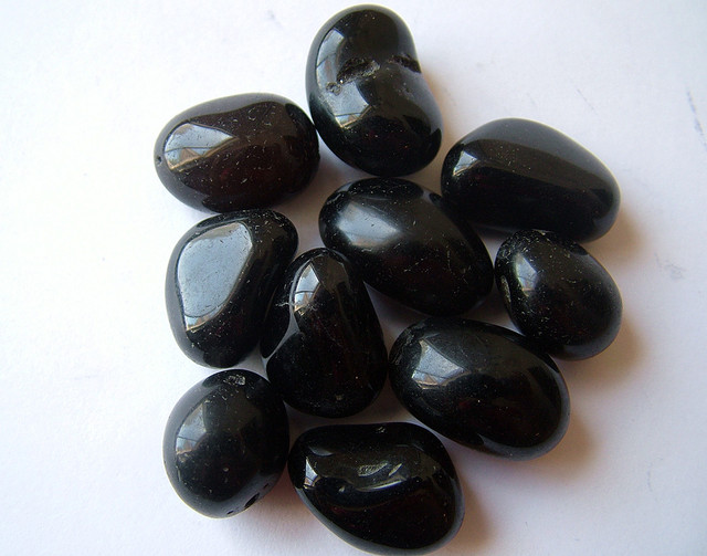 BLACK ONYX BEADS PARCEL  226.25 CTS   AS  5355