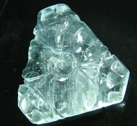 AQUARAMINE-WELL  CARVED  -7.76   CTS [S5305 ]