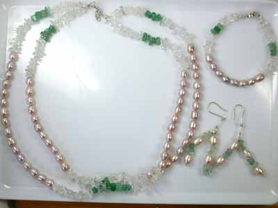 QUARTZ CRYSTAL AND GREEN AVENTURINE WITH SOUTH SEA PEARLS GEMSTONE BEADS 4P