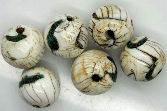 SHELL BEADS ( 3 PAIR) 57.20 CTS ADG-444