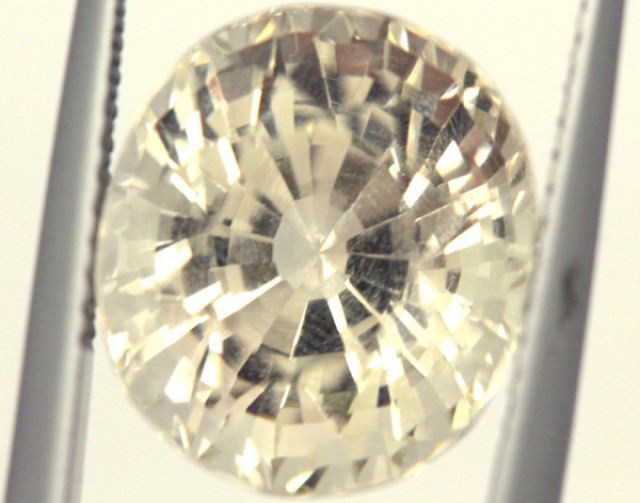 FACETED CLEAR CRYSTAL QUARTZ 7.60 CTS   PG-1499