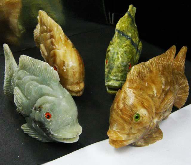 FOUR LARGE PERU FISH  CARVING    1480.05 CARATS  AAT 1624