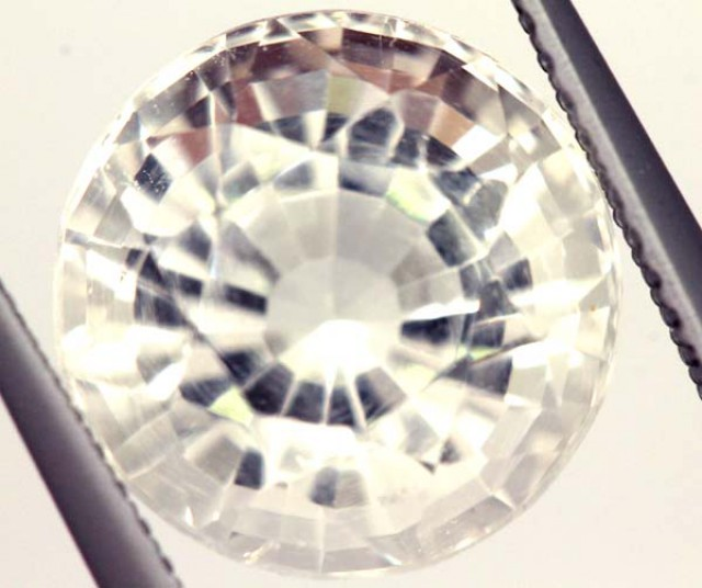 FACETED CLEAR CRYSTAL QUARTZ 6 CTS   PG-1494