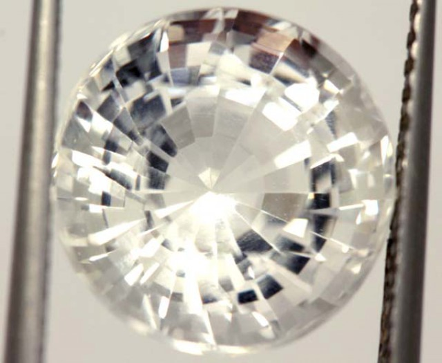FACETED CLEAR CRYSTAL QUARTZ 9.10 CTS    PG-1492