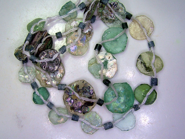 ANCIENT ROMAN GLASS DRILLED STRAND 38CTS  SG-1005