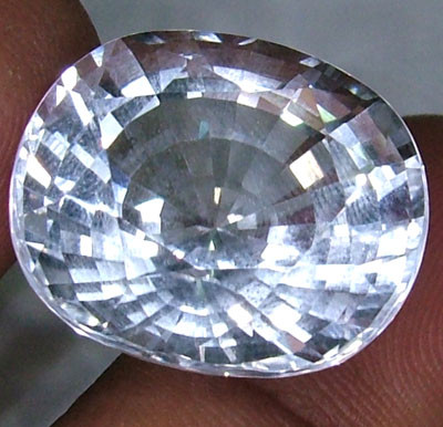 FACETED CLEAR CRYSTAL QUARTZ 17 CTS  PG-1188