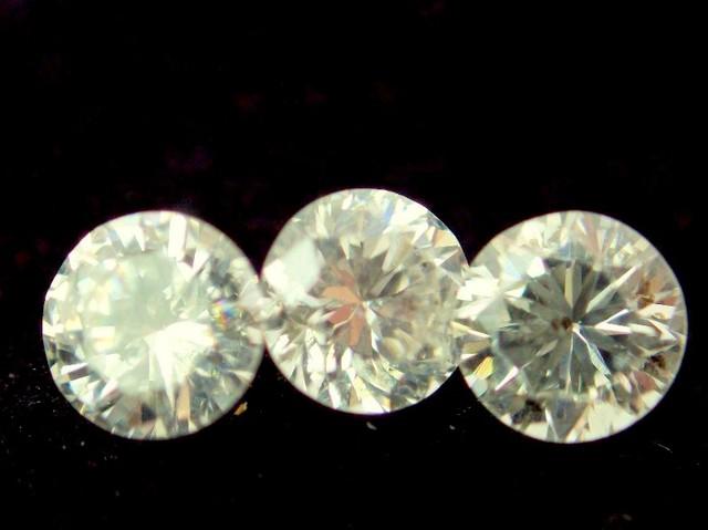 NAT- CHAMPANGE-WHITE DIAMOND-0.05CTWSIZE--3PCS,NORESERVE