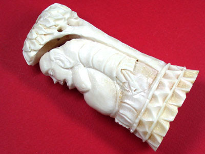 HAND CARVED ELEGANT SCULPTURE ,CAMEL BONE CARVING    TR120
