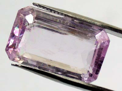 LARGE KUNZITE FROM PAKISTAN    12.70 CTS  GW 674