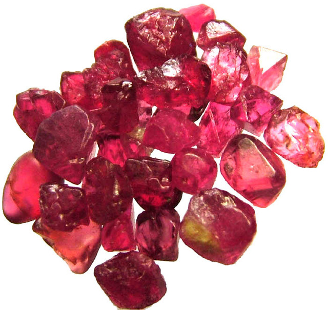 SPINEL  CRYSTAL ROUGH  PARCEL FROM MOGOK 19.35 CTS [F2286]