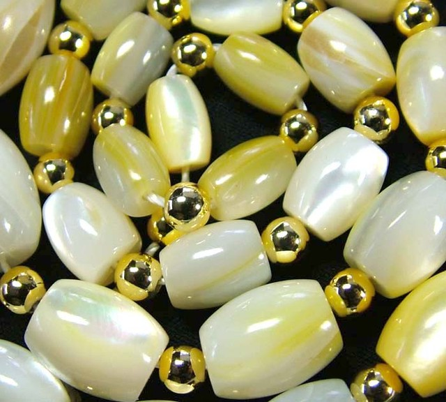 MOTHER OF PEARL BEAD STRAND 176.00 CTS [PF1739]