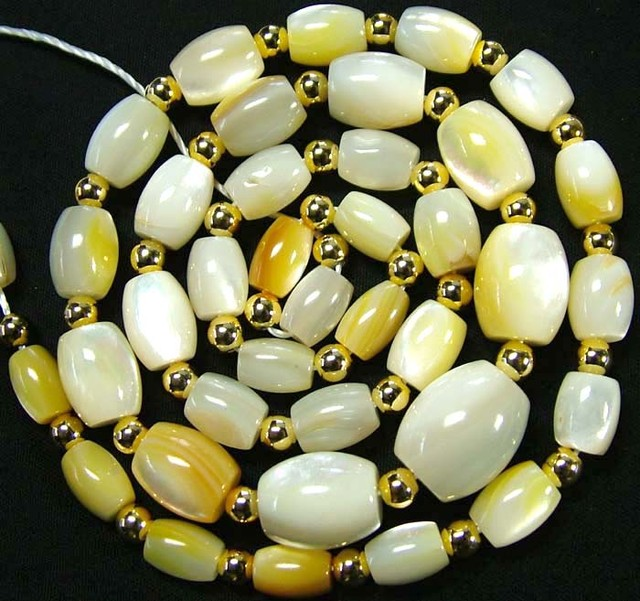 MOTHER OF PEARL BEAD STRAND 171.75 CTS [PF1740]