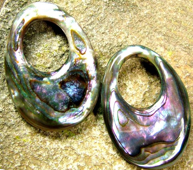 ABALONE DRILLED PEARL  PAIR 50.90 CTS [PF1790]